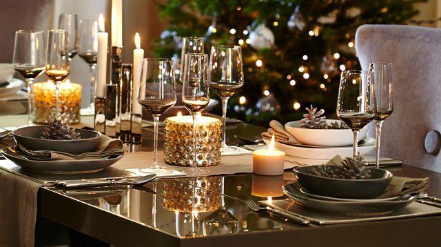 table-de-fete-doree-signee-kelly-hoppen_5125412